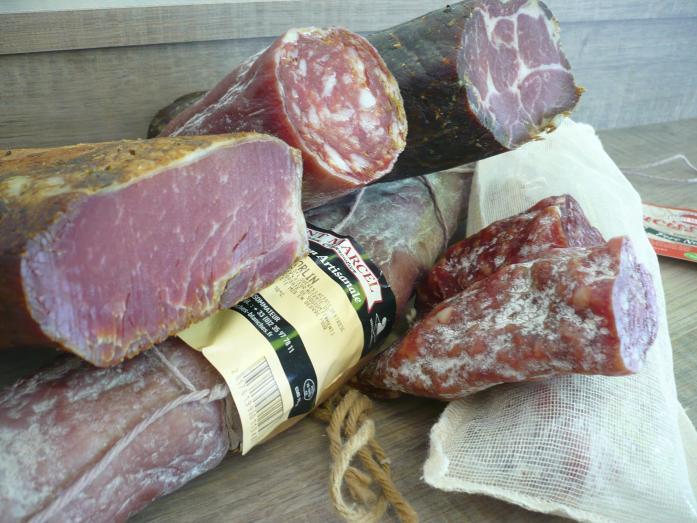 Saucissons et salaisons  d'Auvergne et de Haute-Normandie